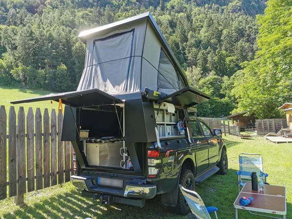 FIFTYTEN Truckbed Camper Individualausbau Heckansicht